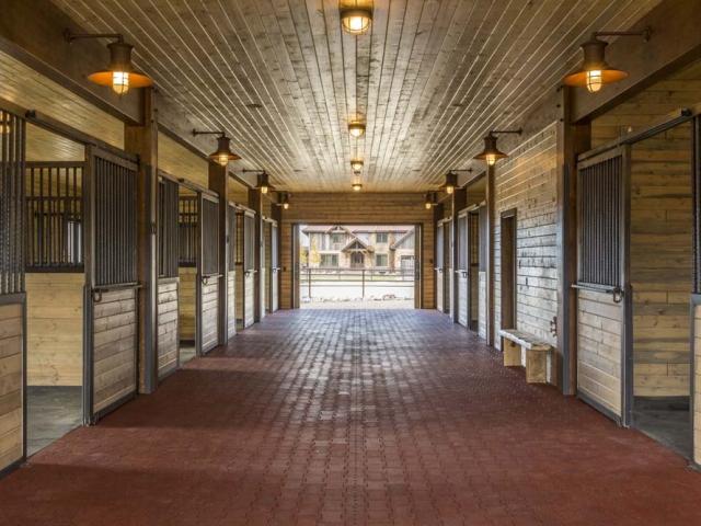 wagner-design-studio-equestrian-ranch-barn-09