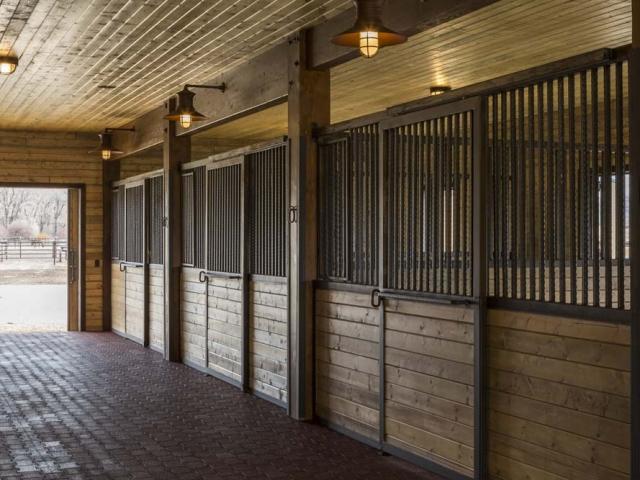 wagner-design-studio-equestrian-ranch-barn-15